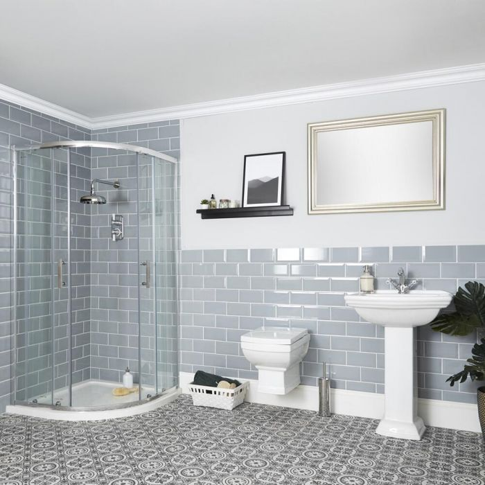 Conjunto de Baño Tradicional Completo con Mampara de Ducha Angular, Inodoro Suspendido con Cisterna y Lavabo con Pedestal - Chester