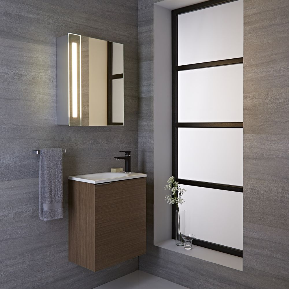 Armario con espejo led y enchufe integrado para cuarto de ba o 600x400mm bala - Armarios para cuartos de bano ...