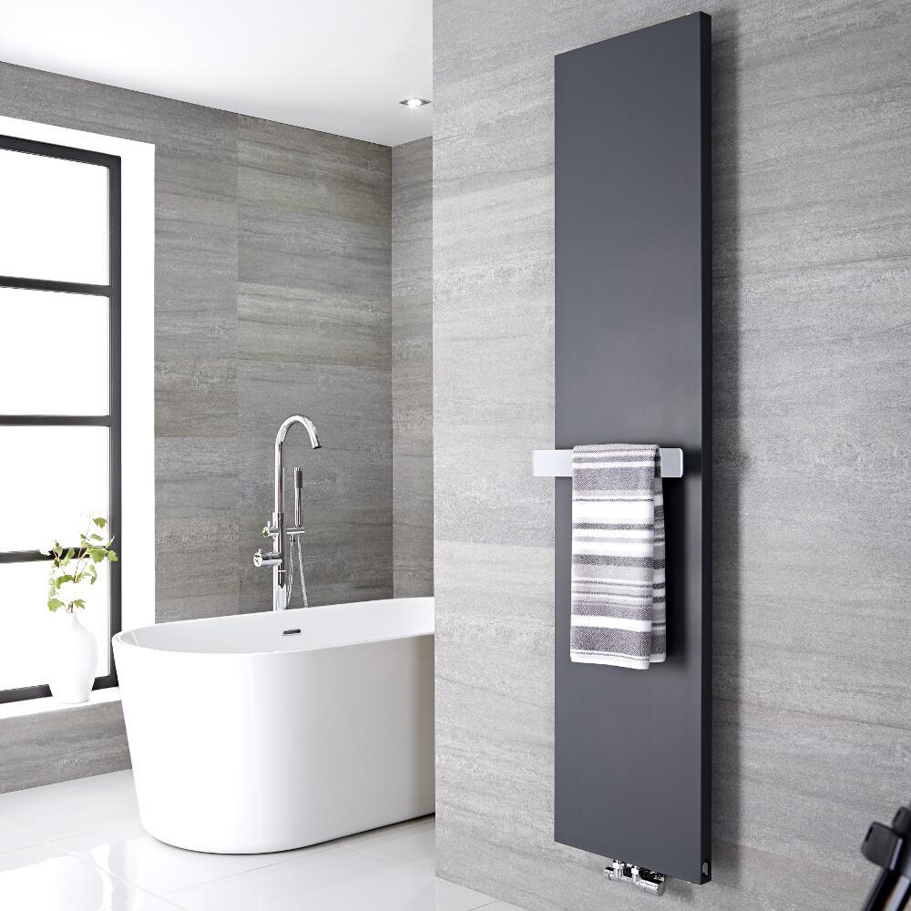 Radiador de Diseño Vertical con Barra Portatoallas -  Acero - Conexión Central - Antracita - 1800mm x 500mm x 40mm - 1123 Vatios - Rubi